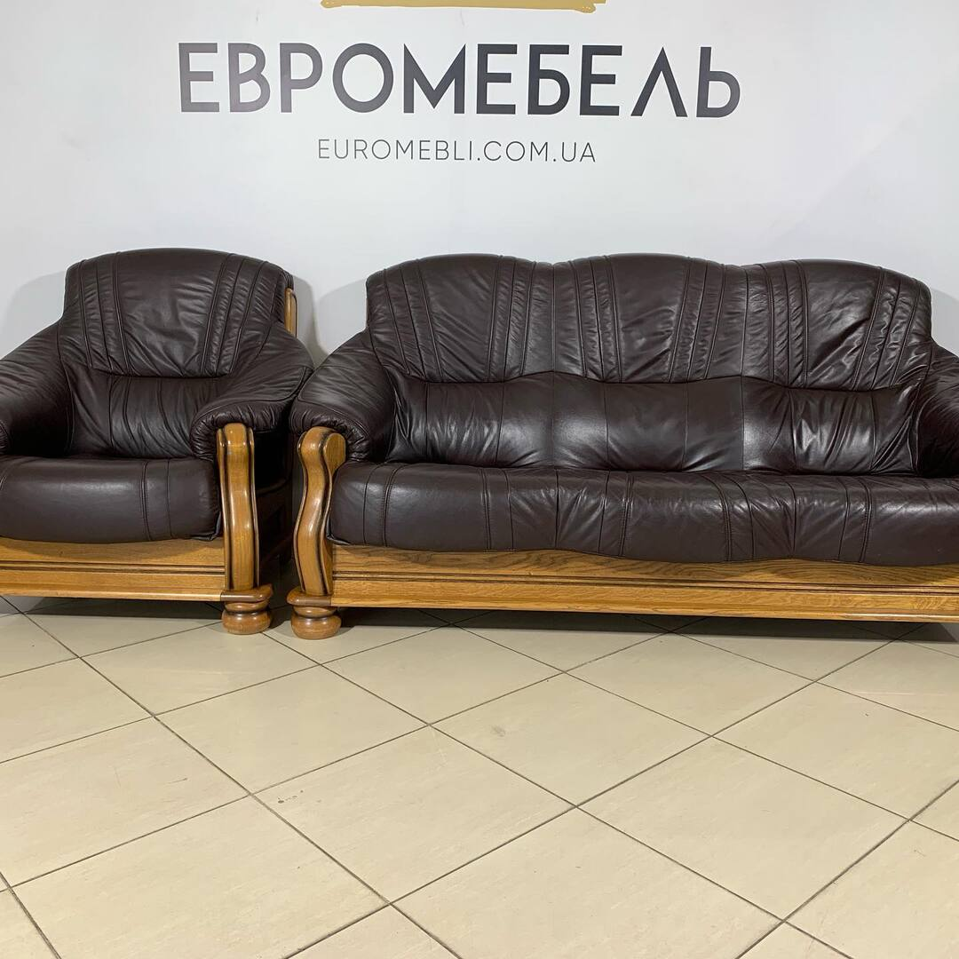 Красивый строгий диван и Кресло на дубовом Каркасее. Мебель котороя не перестаёт быть индивидуальной для вашего лома. #0503838532 #диваны #диванкожаный #дубовыйкаркас #дом #украина🇺🇦 #строгийстиль